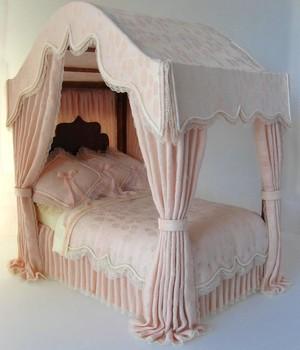 sborka_kukolnoy_mebeli_domika Как сделать кровать для куклы - мастер-класс