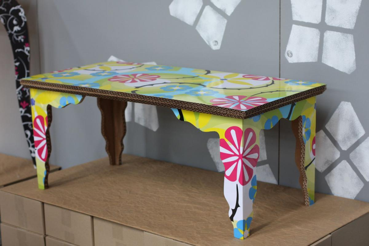 Видео как сделать стол для кукол 544