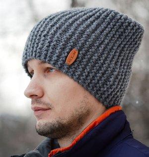 vyazka_shapok Простая мужская шапка спицами, схема мужской шапки спицами, пошаговое описание с фото. Мужская шапка спицами для начинающих