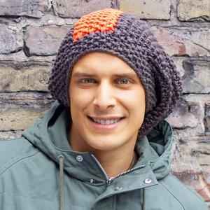 svyazat_shapku Простая мужская шапка спицами, схема мужской шапки спицами, пошаговое описание с фото. Мужская шапка спицами для начинающих