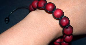 braslet_bisera_shambala Создание браслета шамбала своими руками: особенности плетения с бисером и буквами