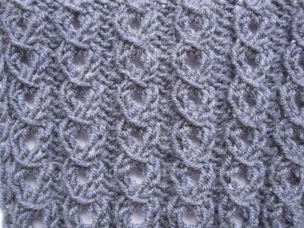 виды изящных ажурных резинок спицами косая и колечки схемы вязания