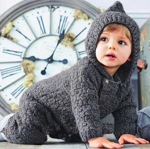odezhda_malysha_svoimi_rukami Как связать комбинезон для малыша от 0 до 6 месяцев спицами