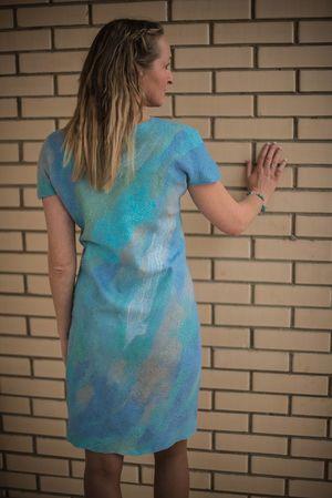 izgotovlenie_letnego_platya Фелтинг – валяние шерстью для начинающих: мастер-класс. Валяние из шерсти игрушек, картины фелтингом