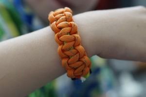 Плетение браслета из шнура